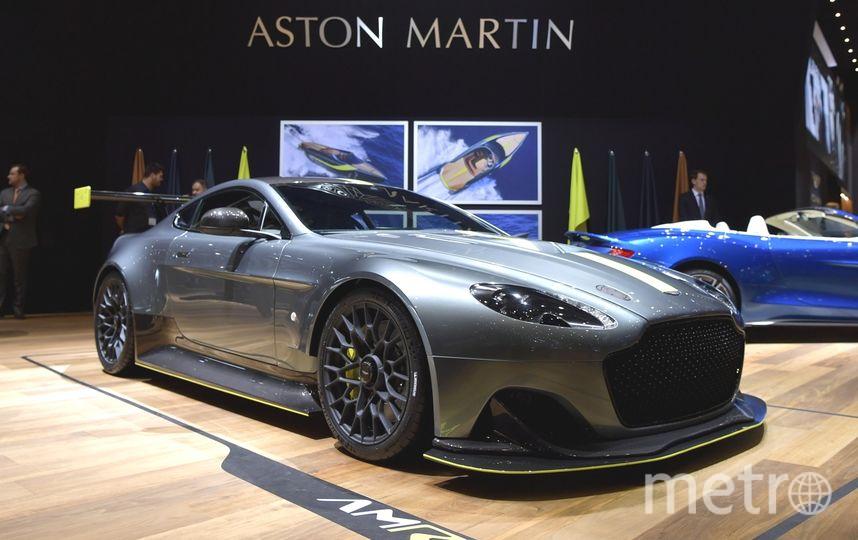 Aston Martin Rapide AMR на автосалоне в Женеве-2017. Фото Getty