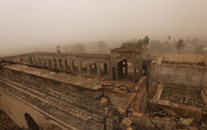 Разрушенное боевиками святилище библейского пророка Ионы. Фото Скриншот с сайта DailyMail.
