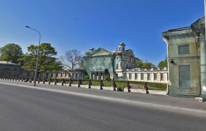 Скульптуры львов сограды дачи Кушелевых-Безбородко отреставрируют
