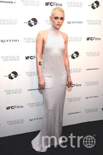 """Кристен Стюарт в новом образе и """"голом"""" платье появилась на премьере. Фото Getty"""