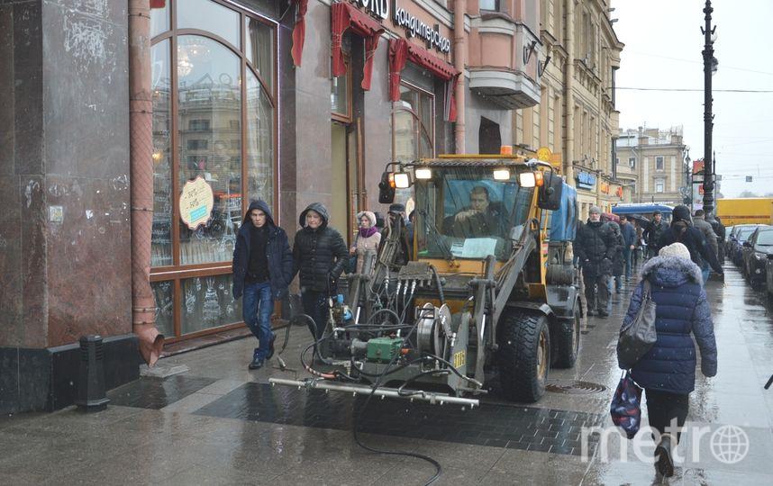Весеннюю уборку Петербурга начали намесяц ранее срока