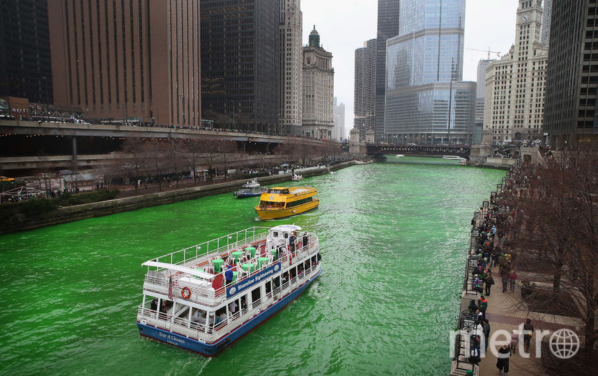 Традиционная окраска реки в Чикаго. Фото Getty