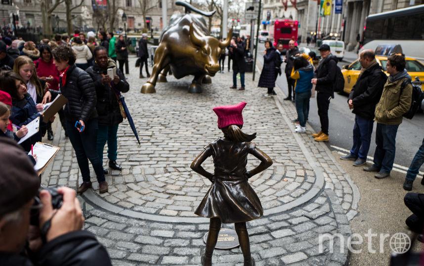 Новый памятник на Уолл-стрит. Фото Getty