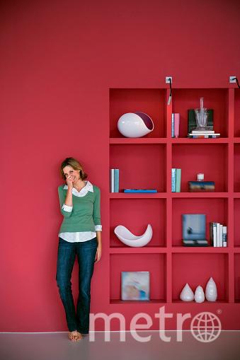 Маленькая квартира не повод расстраиваться. Используйте открытые полки и стеллажи. Фото Getty