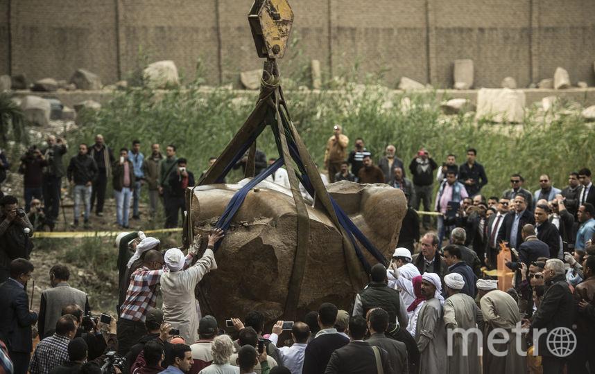 Археологи отыскали  еще одну часть статуи РамзесаII