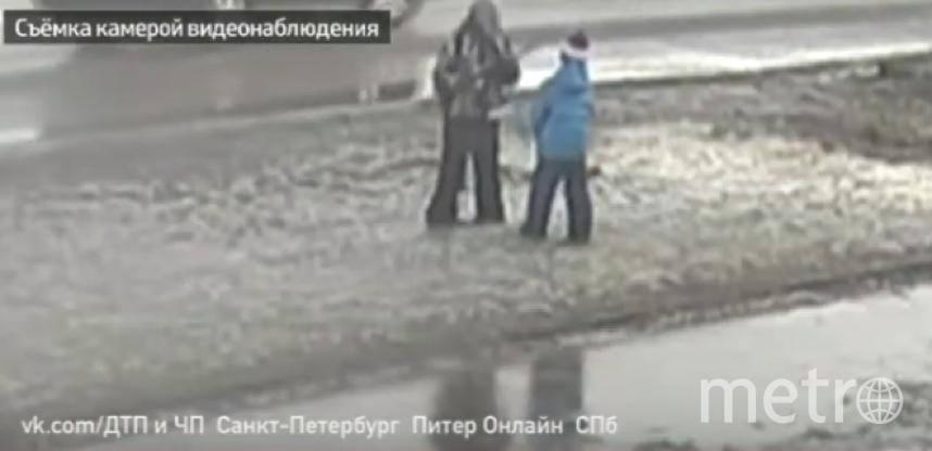 В Приозерске расследуют инцидент, в котором пострадал маленький ребенок. Фото Скриншот Youtube