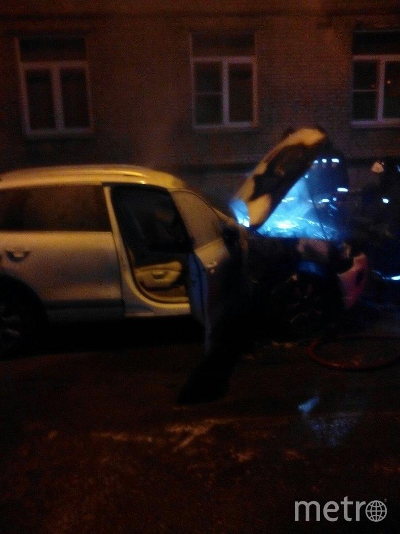 В Петербурге ночью сгорела иномарка. Фото «ДТП и ЧП | Санкт-Петербург», vk.com