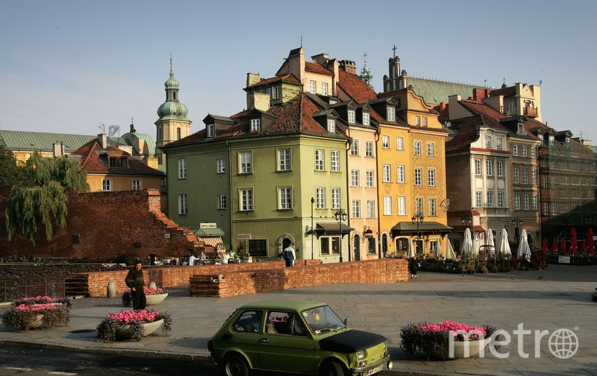 ВВаршаве эвакуировали 300 человек после взрыва уздания МИД Польши