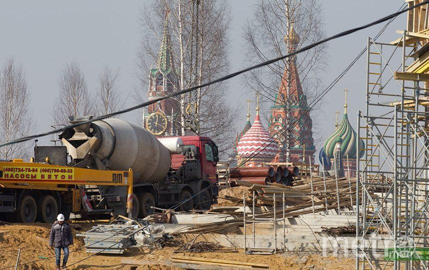 """Строительство парка """"Зарядье"""". Фото Василий Кузьмиченок, """"Metro"""""""
