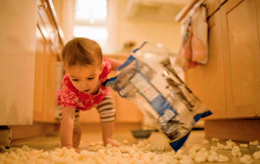 """""""На газетку"""" падает почти вся еда, уверяют британские ученые. Фото Getty"""