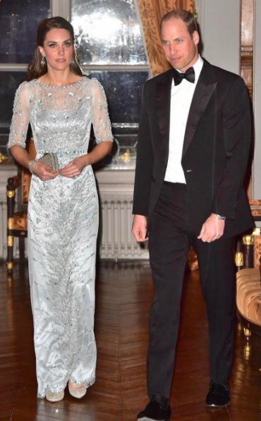 Кейт и Уильям в посольстве Великобритании в Париже. Фото Instagram @katemidleton.