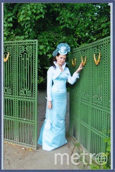 Моим счастливым платьем является мое свадебное платье, которое во многом я придумала сама! Платье принесло удачу и мне, и даже моему супругу: вскоре после свадьбы нас ожидали приятные изменения в работе, интересные путешествия, а в 2013г. нас ожидало главное счастье - рождение дочери! Свое платье я не продаю, бережно храню в шкафу, обязательно покажу дочке Маргарите. Надеюсь, удача и дальше будет сопутствовать нашей семье! Фото Екатерина Кужевская