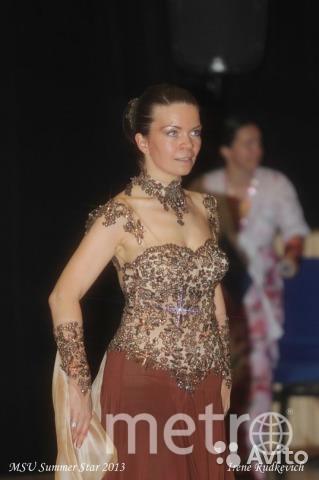 Хочу рассказать о своем любимом платье. Создано для занятий бальными танцами. Оно сшито в Сибири, было куплено мной заочно, и без примерки доставлено по почте в Москву. Мое первое конкурсное платье! Очень счастливое! Храню его как талисман. Фото Ирина Тарабасова