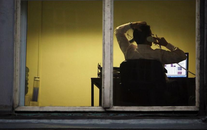 Коллекторы получили штраф за ночные звонки. Фото Getty