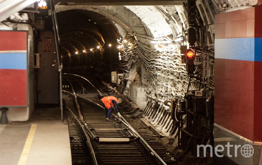"""Фото в метро. Фото Святослав Акимов, """"Metro"""""""