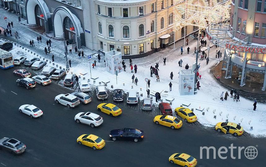 Таксистами становятся представители самых разных профессий. Фото Яндекс.Такси