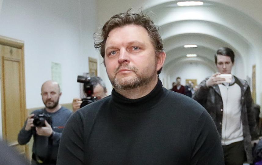 Белых пришел на суд с палочкой. Фото Getty