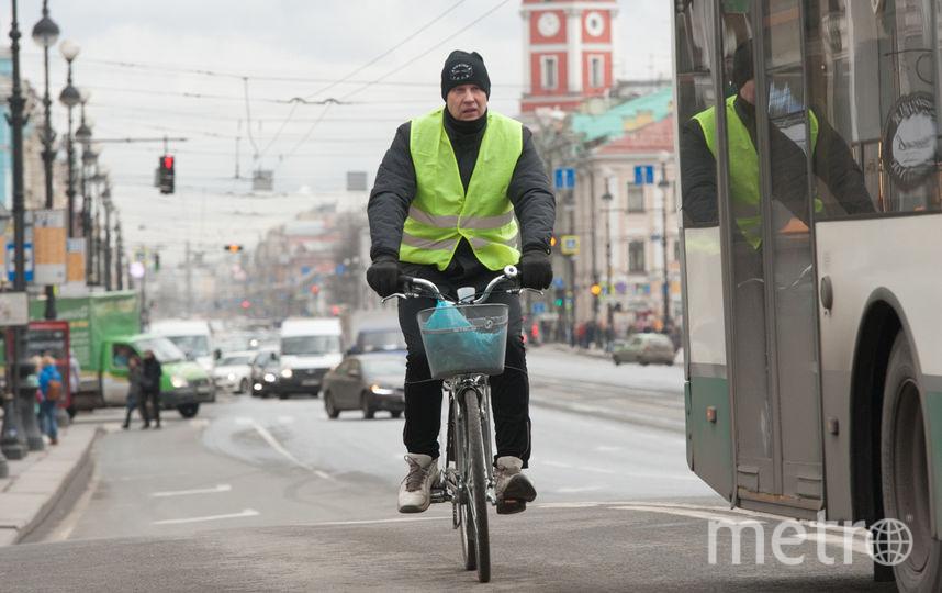 """Петербуржцы уже пересаживаются на велосипеды. Фото Святослав Акимов., """"Metro"""""""