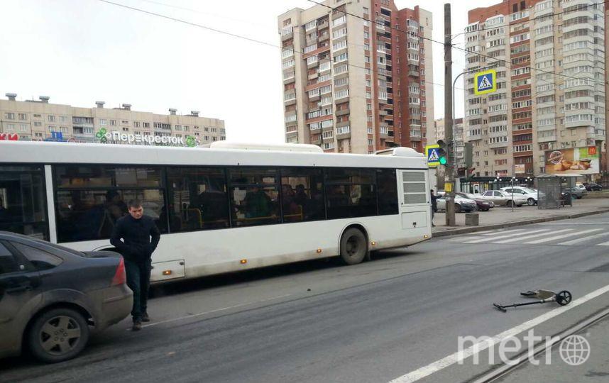 Свидетели: НаШлиссельбургском проспекте сбили мужчину насамокате