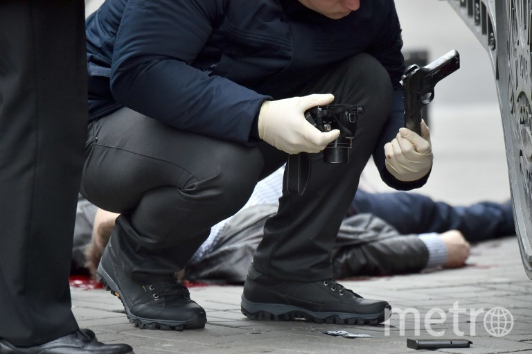 Фотографии с места убийства Дениса Вороненкова. Фото AFP