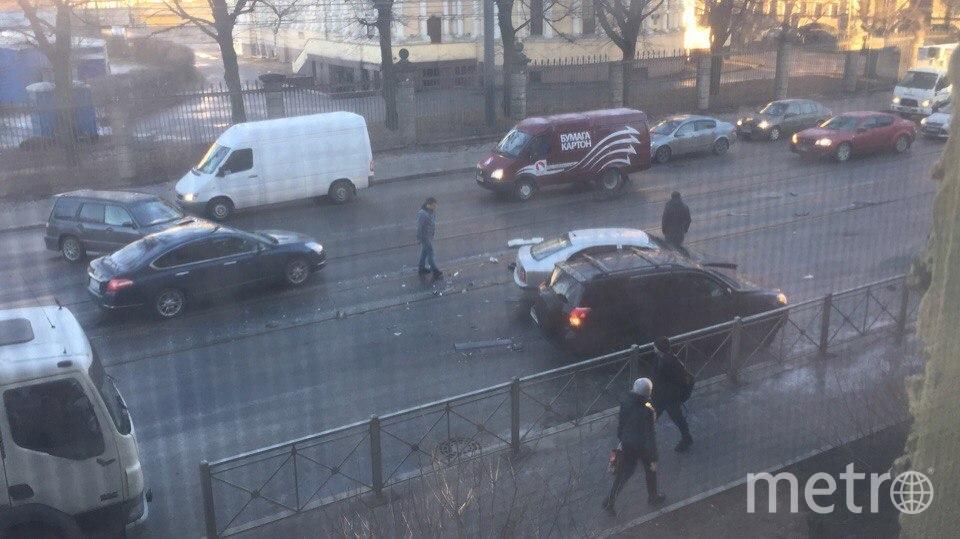 В Петербурге гололед спровоцировал десятки ДТП за одно утро. Фото «ДТП и ЧП | Санкт-Петербург», vk.com