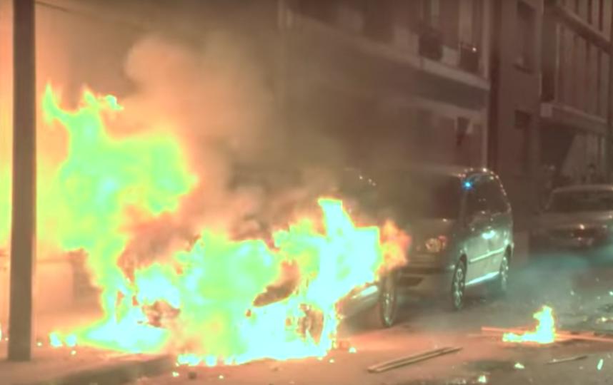 Встолице франции милиция разгоняет протестующих слезоточивым газом