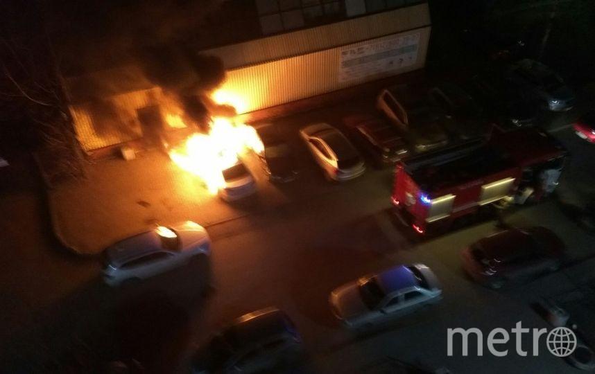 ВПетербурге ночью полыхали 4 автомобиля