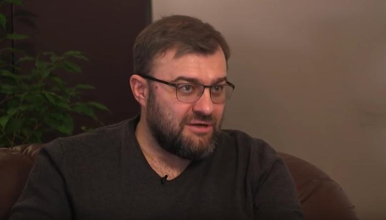 Михаил Пореченков рассказал правду о шоу «Битва экстрасенсов». Фото Скриншот Youtube