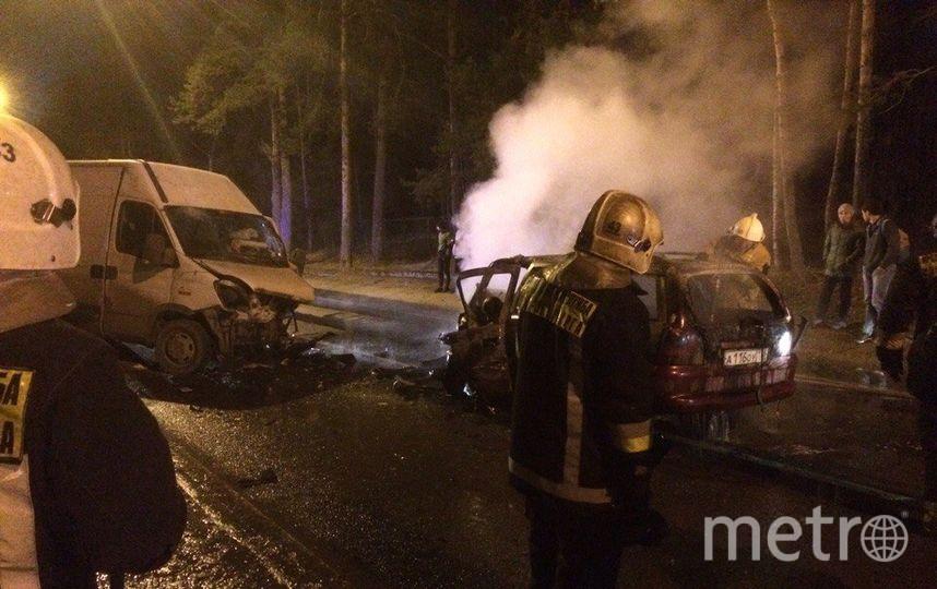 В Петербурге водитель сгорел заживо в результате ДТП. Фото «ДТП и ЧП | Санкт-Петербург», vk.com