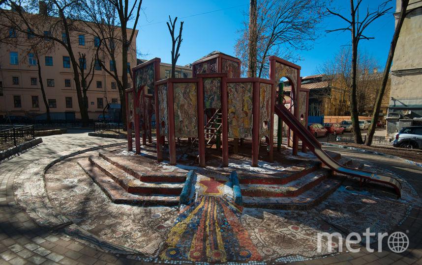 """Мозаичный дворик. Фото Святослав Акимов, """"Metro"""""""