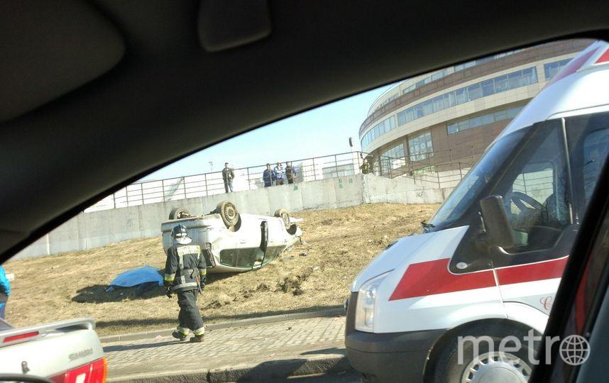 ВПетербурге иностранная машина , выехавшая натротуар, насмерть сбила 2-х  мужчин