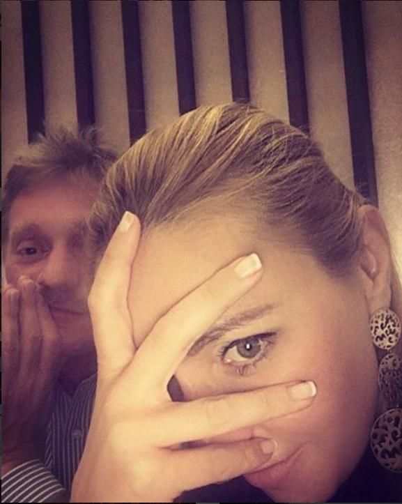 Татьяна Навка опубликовала фото мужа в банном полотенце. Фото Скриншот Instagram: tatiana_navka