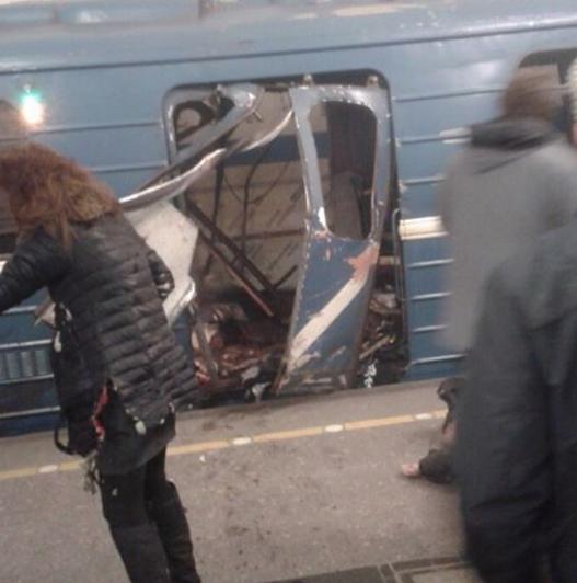 Кадры с места взрыва в петербургском метрополитене. Фото Instagram/maksim_trade