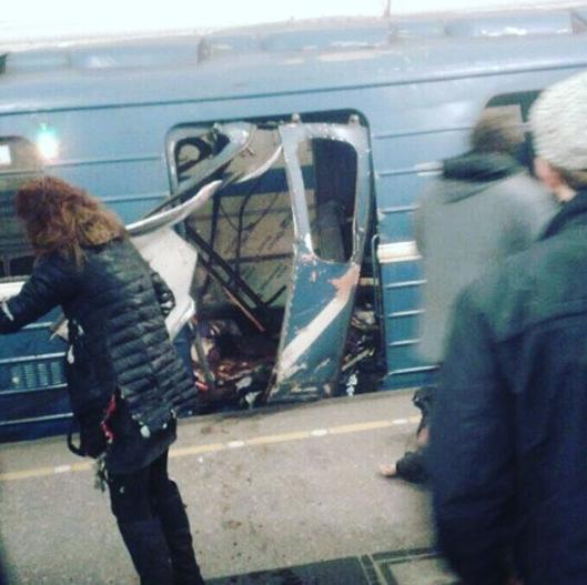Кадры с места взрыва в петербургском метрополитене. Фото Instagram/dmtmv