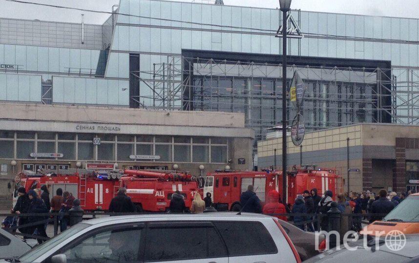 Девушка чудом спаслась при взрыве вметро Санкт-Петербурга— Рассказ очевидца