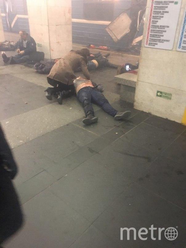 На станции метро «Площадь Восстания» найдено не сработавшее взрывное устройство. Фото «ДТП и ЧП | Санкт-Петербург», vk.com