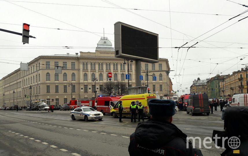 """На станции метро «Площадь Восстания» найдено не сработавшее взрывное устройство. Фото Софья Сажнева, """"Metro"""""""