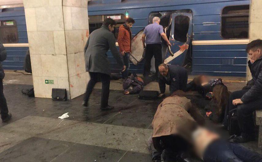 Источник сказал о смерти 14 человек при взрыве вметро вПетербурге