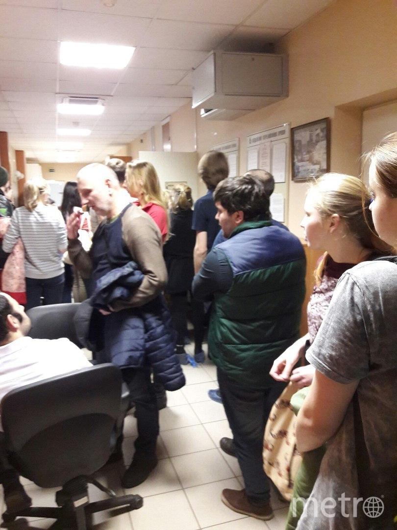 """В Мариинской больнице Петербурга образовалась очередь на сдачу крови пострадавшим. Фото Софья Сажнева, """"Metro"""""""