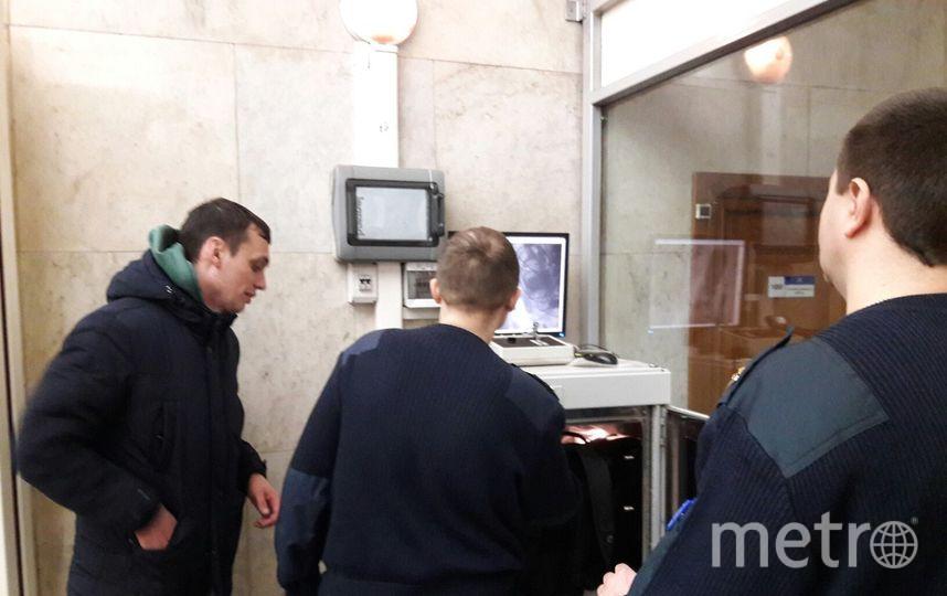 Метро Петербурга возобновило работу вштатном режиме, рискованных предметов не найдено