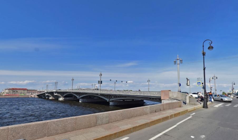 Благовещенский мост. Фото скриншот Яндекс.Панорамы.