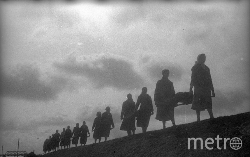 Женщины на строительстве Днепровско-Бугского канала. 1940. Фото представлены Анной Халдей.
