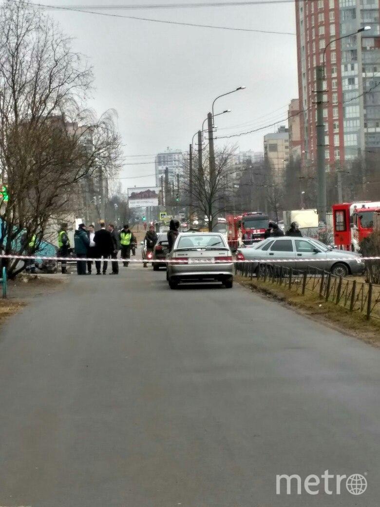 В Петербурге жильцов дома эвакуировали из-за подозрительного предмета. Фото «ДТП и ЧП | Санкт-Петербург», vk.com