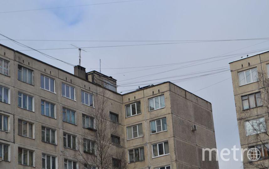 "Фото у дома на Товарищеском утром 6 апреля. Фото Ольга Рябинина, ""Metro"""
