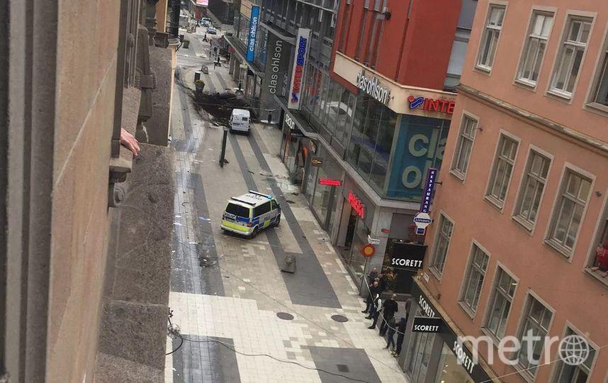 Стокгольм. Грузовик въехал в толпу людей в центре города. Фото Getty