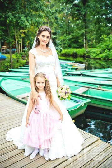 Мое самое счастливое платье, конечно же свадебное) На фотографии я с любимой дочкой Ксюняшей.. Фото Екатерина