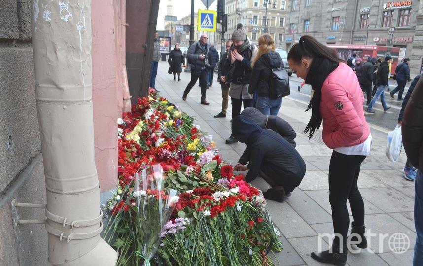 """11 апреля - девятый день после теракта в метро Петербурга. Фото """"Metro"""""""