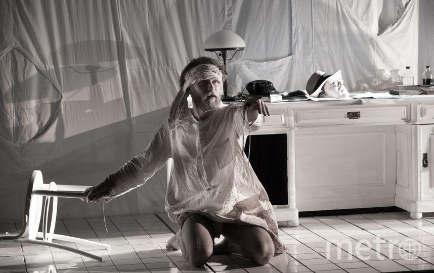 "Отрывки из постановки ""Мастер и Маргарита"". Фото Александр Иванишин"