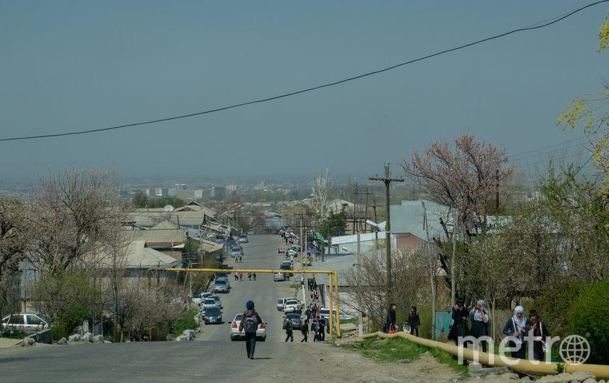 "На улице, где жил Акбаржон. Фото Алены Бобрович, ""Metro"""