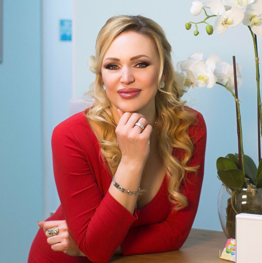 Поздравляем! 42-летняя Довлатова в 4-й раз стала матерью